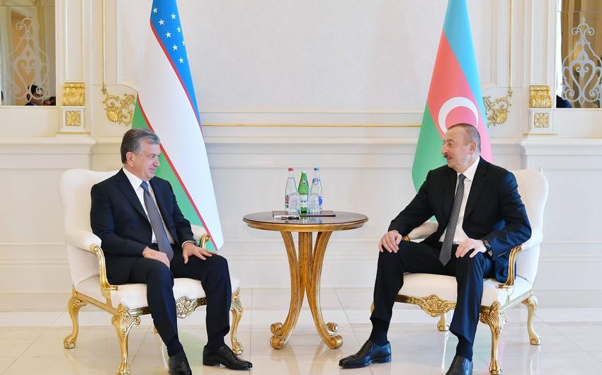 ШавкатМирзиёев поздравил Ильхама Алиева
