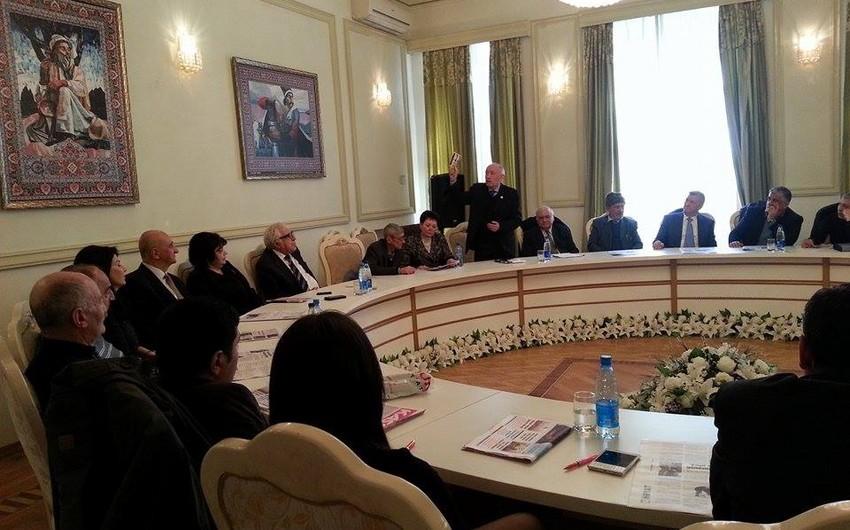 """""""Kaspi"""" qəzetinin Vaqif Səmədoğluna həsr etdiyi xüsusi buraxılışının təqdimatı keçirilib"""