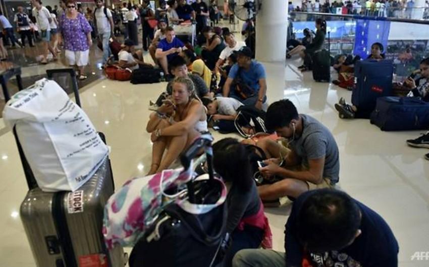 Bali aeroportu vulkan püskürməsi səbəbindən bağlanıb