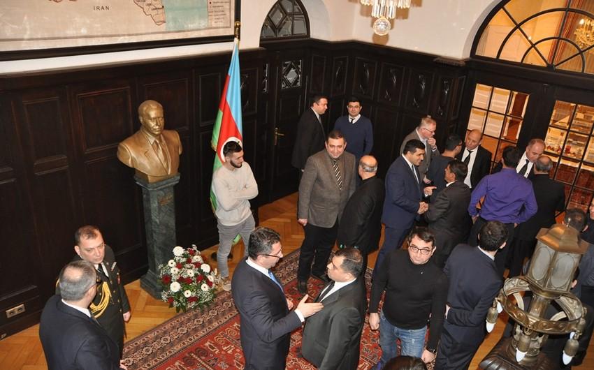 Berlin commemorates national leader Heydar Aliyev