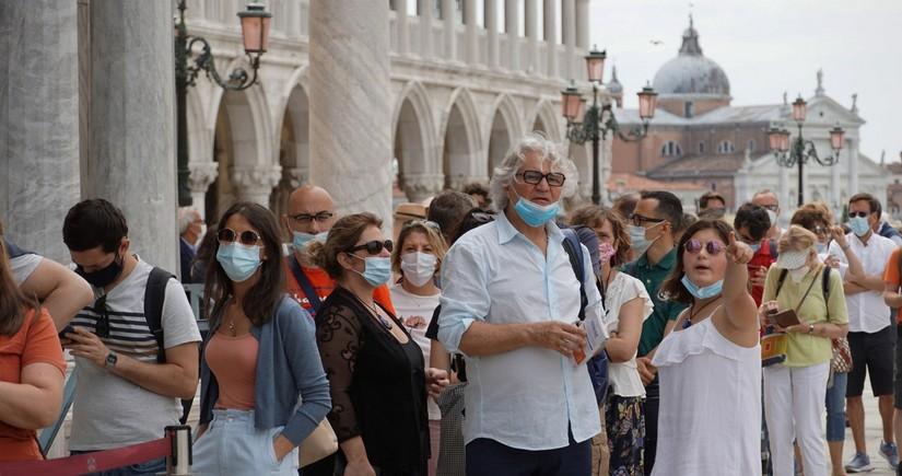 В Италии сообщили о четвертой волне COVID-19