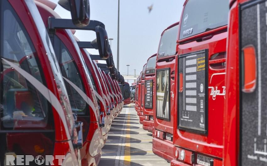 PA rəsmisi: Metronun bağlanması avtobuslarda sıxlığa səbəb olur