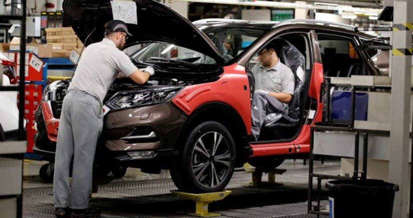 Nissan decides to cut car production by 30%