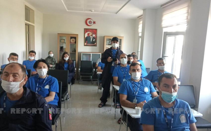 Ankarada azərbaycanlı jurnalistlərə avtomobilin düzgün idarə olunması tədris edilib