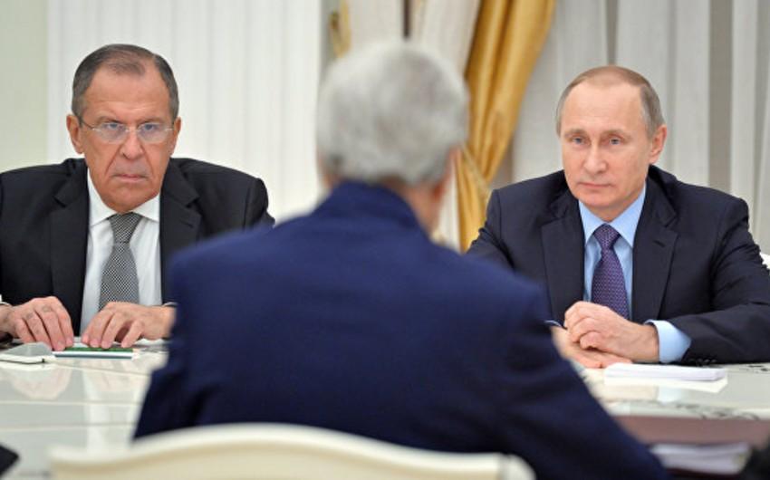 Vladimir Putinlə Con Kerrinin 3 saatdan artıq davam edən görüşü başa çatıb