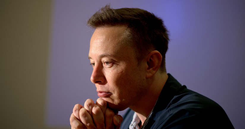 Musk loses nearly $6B after Tesla crash news