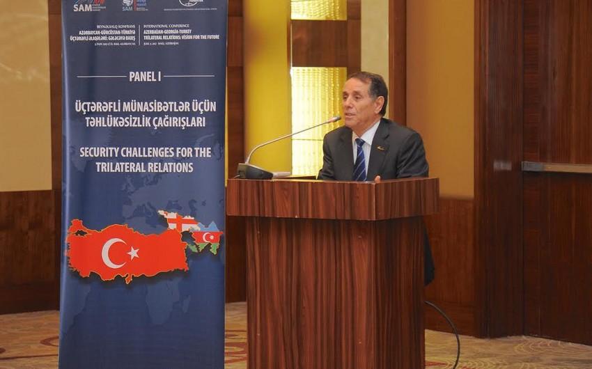 Azərbaycan Prezidentinin köməkçisi: Trampın dünya ölkələri ilə əməkdaşlıq prinsiplərini bəyənirik