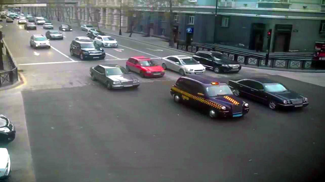 Открылась одна из закрытых на ремонт центральных улиц Баку