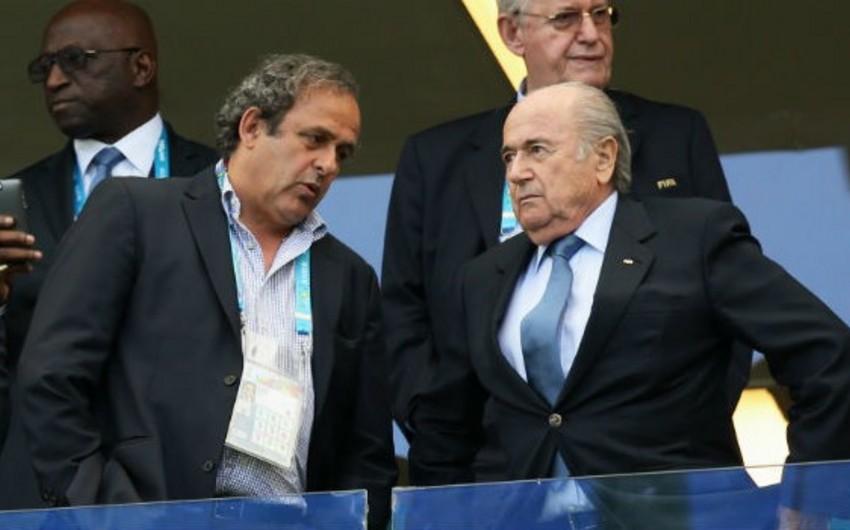 FIFA Blatter və Platiniyə qarşı 2 milyon franklıq iddia qaldırıb