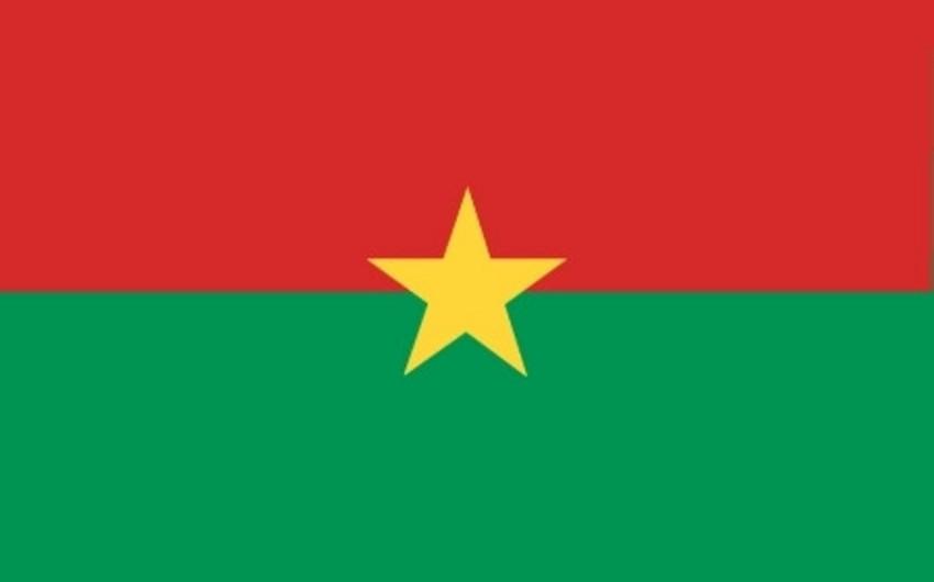 Burkina-Fasoda polkovnik İsaak Zida hakimiyyəti ələ keçirib