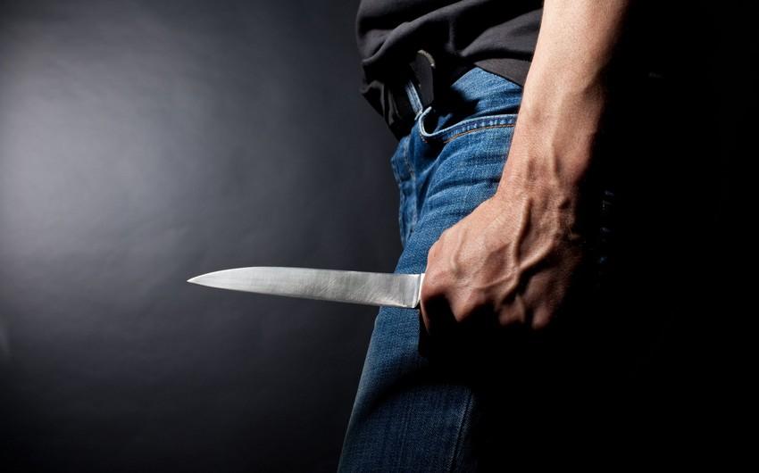 Salyanda 54 yaşlı kişi bıçaqlanıb, vəziyyəti ağırdır
