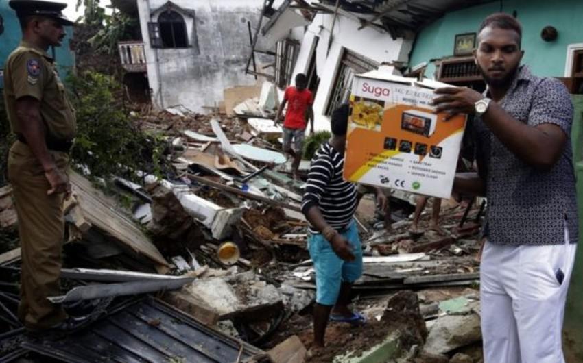 Şri-Lankada 800 tonluq zibil təpəsinin uçması nəticəsində azı 16 nəfər ölüb, 40 ev dağılıb