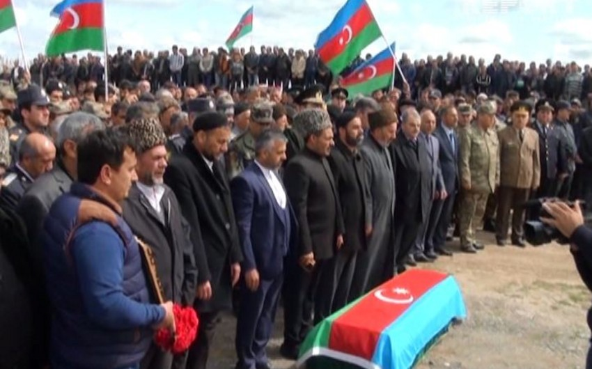 Azərbaycan Silahlı Qüvvələrinin şəhid olan hərbçiləri dəfn olunub - FOTO - VİDEO - YENİLƏNİB