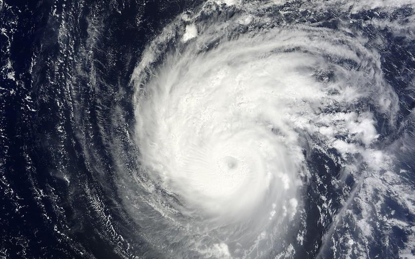 """Тропический шторм """"Офелия"""" усилился и стал ураганом"""