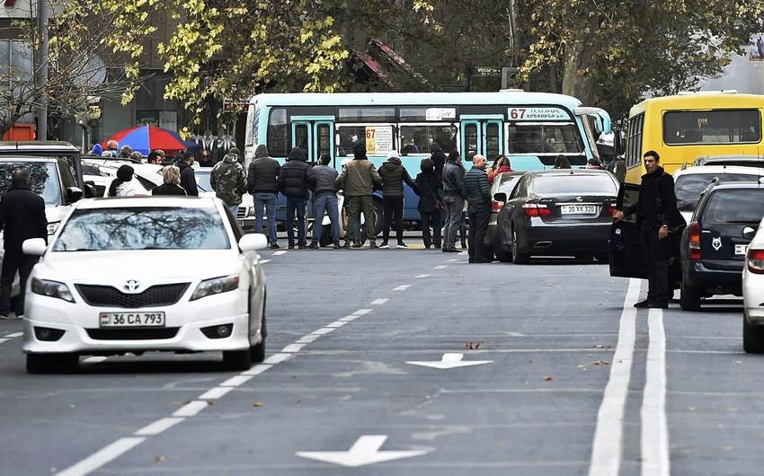 Yerevanda polis etirazçılara qarşı zorakılıq tətbiq edib, saxlanılanlar var