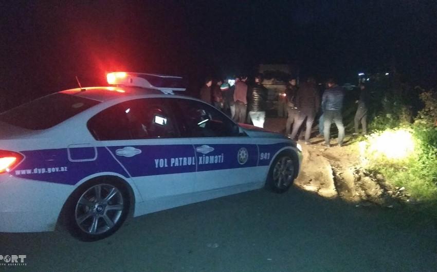 Goranboyda avtomobilin aşması nəticəsində sürücü xəsarət alıb