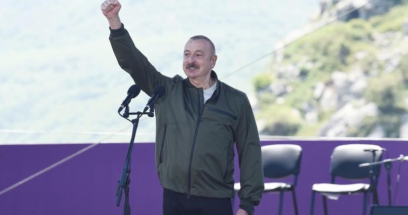 """Şuşada """"Xarıbülbül"""" musiqi festivalı qala-konsertlə davam edir - CANLI YAYIM"""