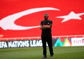 Şenol Güneş: Azərbaycan millisi müdafiə anlayışı ilə oynayan komandadır