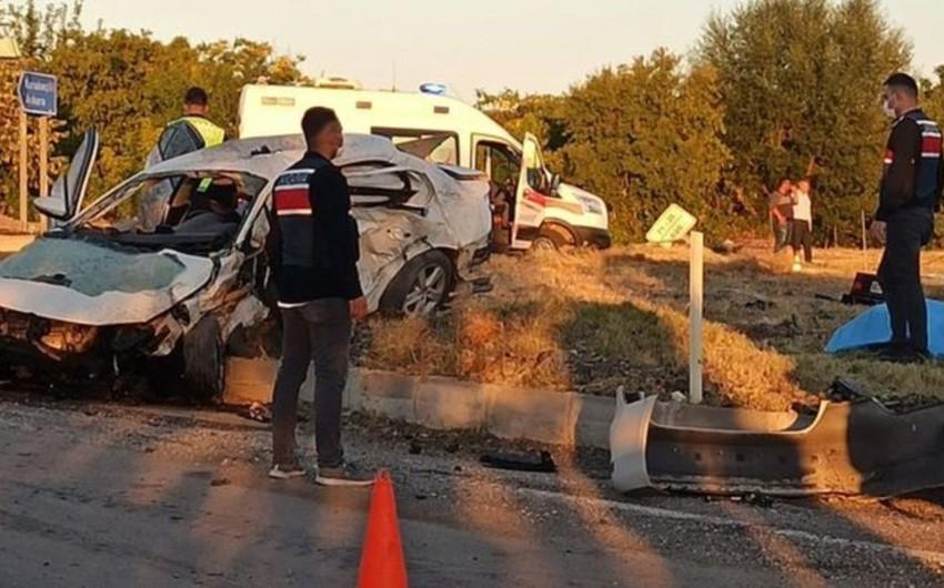 Türkiyədə ağır yol qəzasında 6 nəfər ölüb