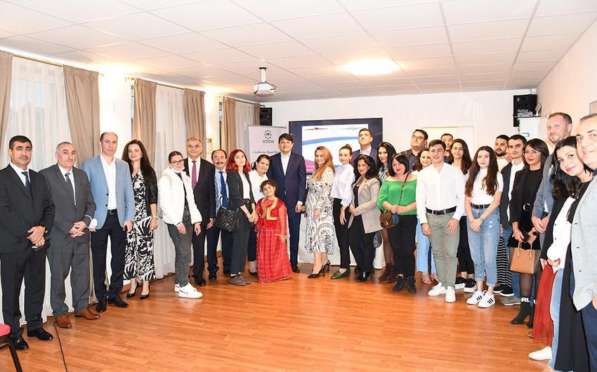 Diaspor Komitəsinin sədri Almaniyada yaşayan azərbaycanlılarla görüşüb