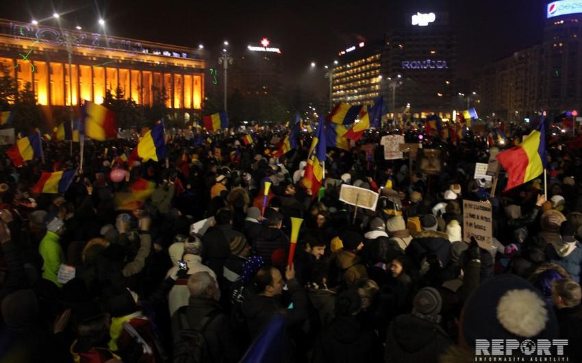 Səsvermə: Rumıniya parlamenti hökuməti saxladı