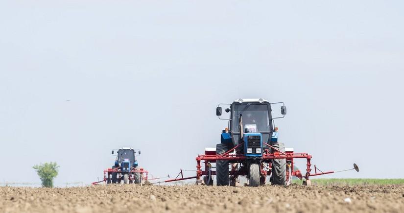 Azərbaycan Gürcüstandan yük maşını və traktor idxalını artırıb