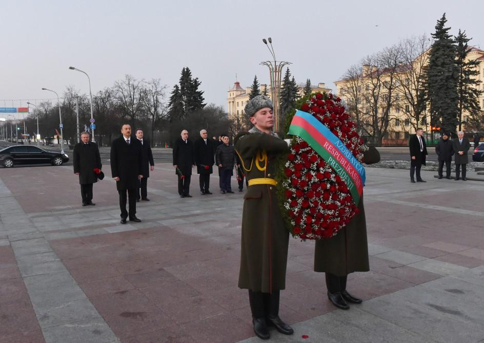 President Ilham Aliyev visits Victory Square in Minsk