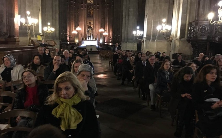 Parisdə Xocalı qurbanlarının xatirəsi anılıb