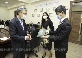 Азербайджанскому вузу переданы книги о Японии