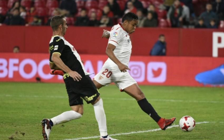 Футболисты Севильи одержали победу в первом матче под руководством Монтеллы