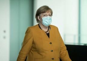 Angela Merkelə AstraZeneca vaksini vurulub