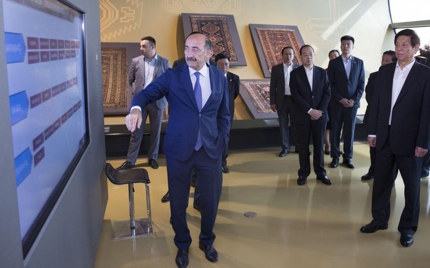 Parlament sədri Çin və Azərbaycan xalçaçılarının əməkdaşlıq etməsini istəyir