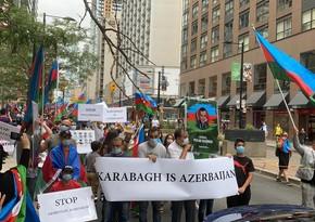 Азербайджанцы обратились к правительствуКанады
