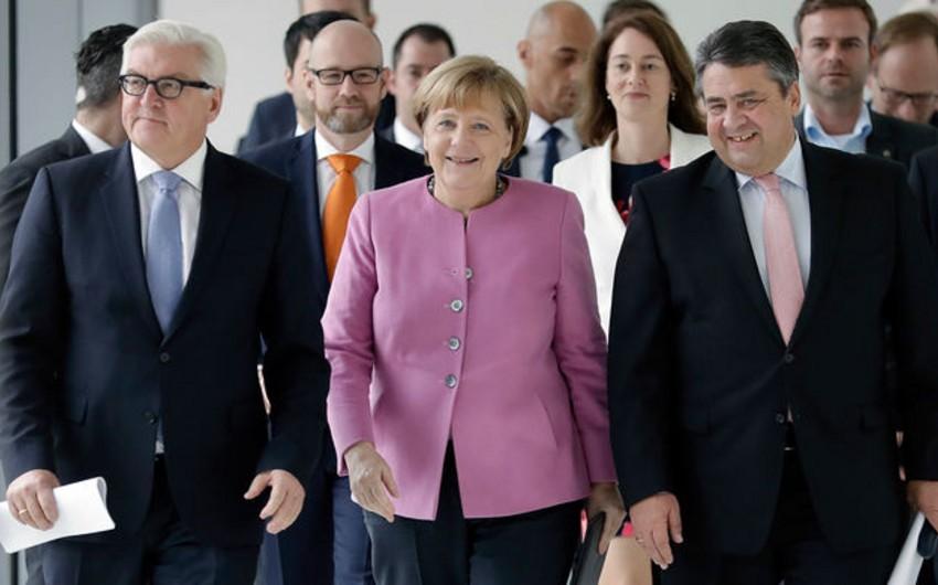 Almaniyada hakimiyyət böhranı yaşanır