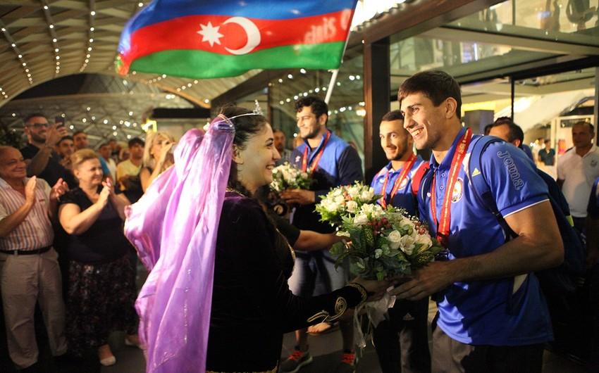 Azərbaycan cüdoçuları Macarıstandan 4 medalla Bakıya qayıdıblar - FOTO