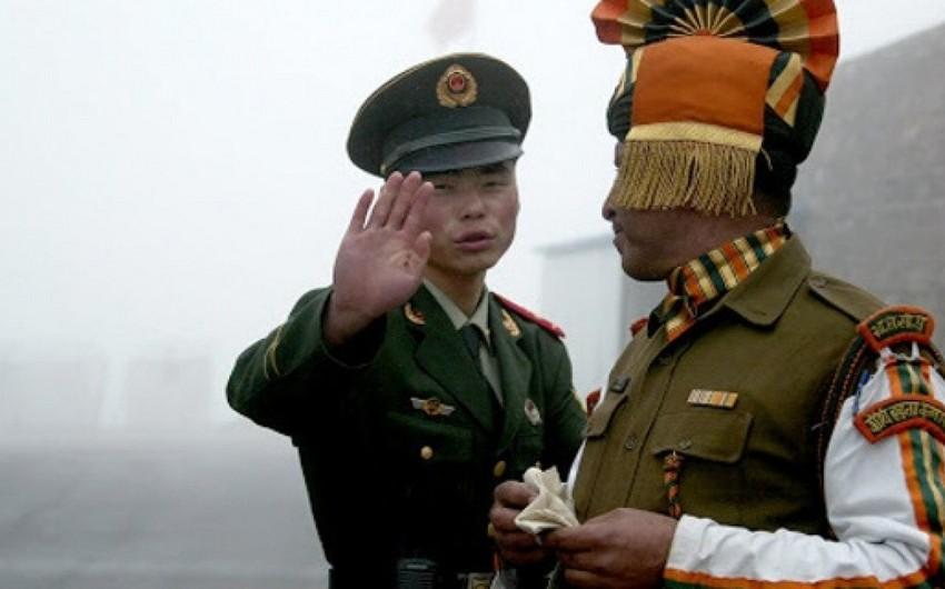 СМИ: Военнослужащие Индии и Китая вступили в столкновения на границе