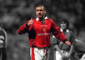 Daha bir məşhur futbolçunun adı Şöhrət Zalına daxil edildi