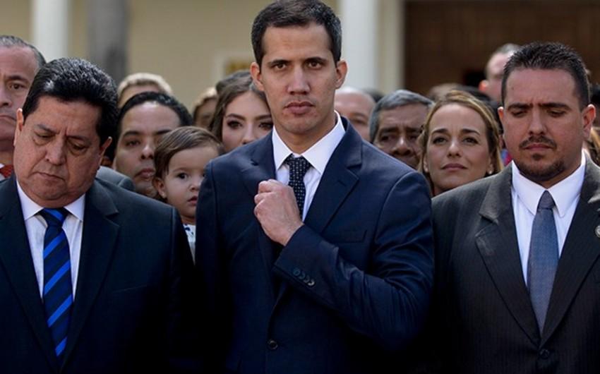 Pompeo Venesuela parlamentində postunu itirmiş Quaydonu təbrik edib - VİDEO