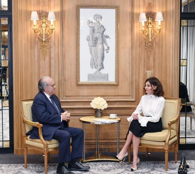Мехрибан Алиева встретилась с учредителем Национального института рака Франции