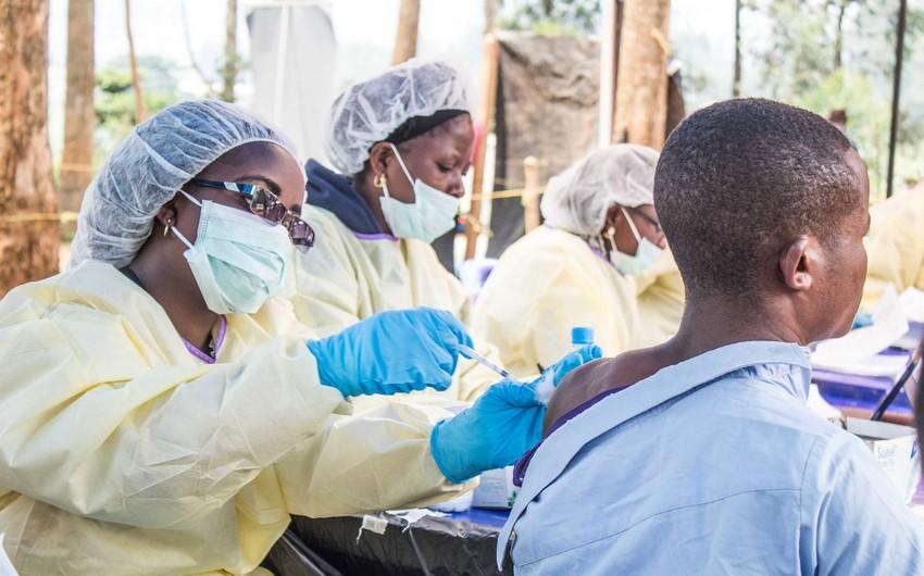 ÜST: Ebola erası sona çatır
