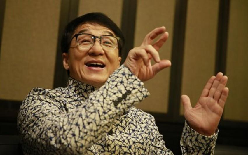 Джеки Чан захотел вступить в коммунистическую партию Китая