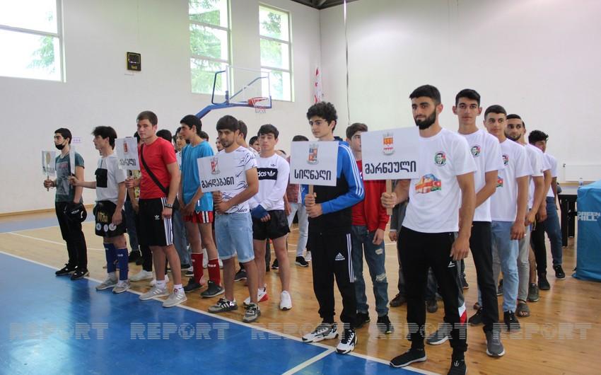 Marneulidə Azərbaycan və Gürcüstanın dövlət bayramlarına həsr olunan yarış keçirilir