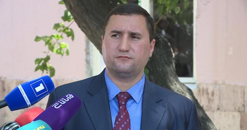Ermənistan müdafiə nazirinin müavini işdən çıxarılıb