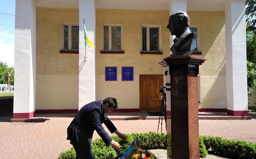 Ukraynada ulu öndər Heydər Əliyevin aforizmlərdən ibarət yaddaş kitabçasının təqdimatı keçirilib