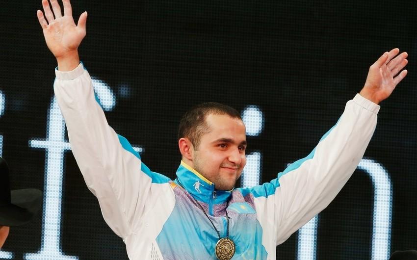 Azərbaycanlı ağırlıqqaldıran Qazaxıstan yığmasının heyətində dünya çempionu olub