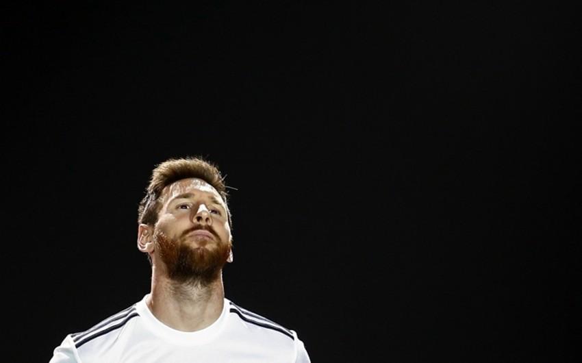 Messi dünyada həftəyə bir milyon funt qazanan ilk futbolçu olacaq