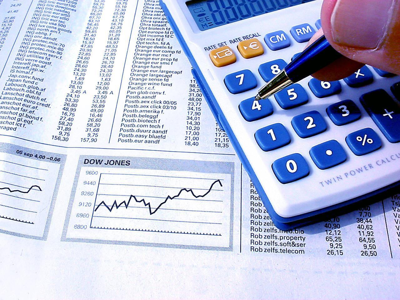 Dow Jones indeksi enib, S&P 500 isə yüksəlib
