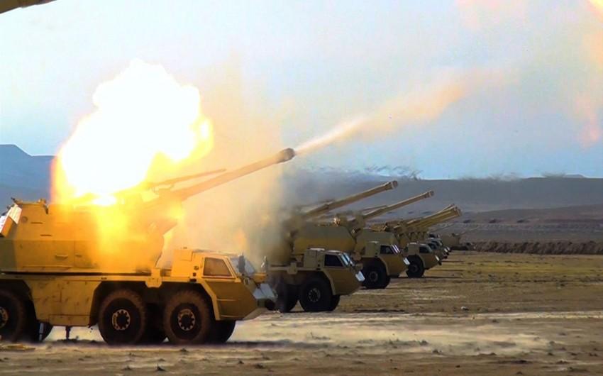 Azərbaycan ordusunun genişmiqyaslı təlimlərinin döyüş atışlı mərhələsi keçirilib - VİDEO