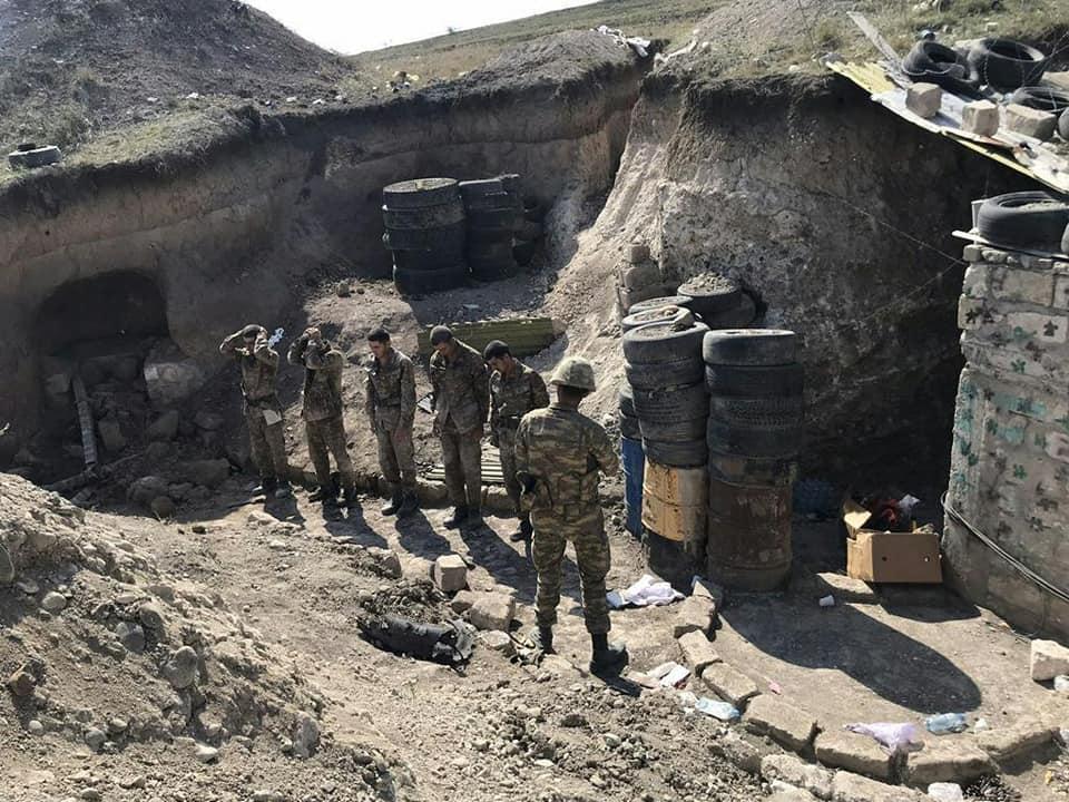 Azərbaycan Ordusu düşmənin bir qrup hərbi qulluqçusunu əsir götürdü