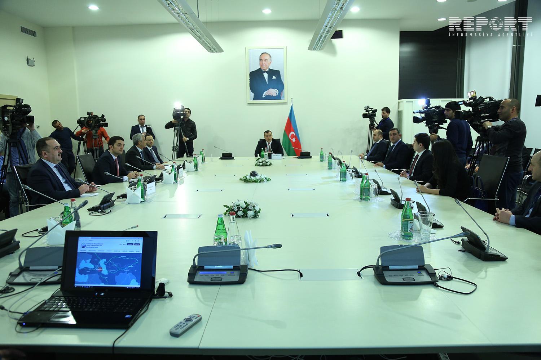 Азербайджан намерен определить единые тарифы со странами Транскаспийского транспортного коридора